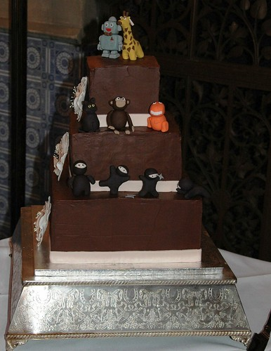 Robot Giraffe Wedding Cake
