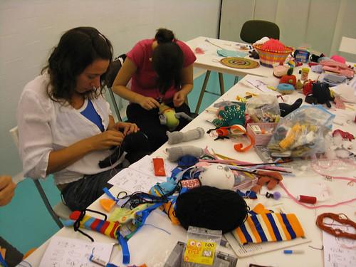 Taller de muñecos hechos con calcetines, Duduá 18 de Septiembre de 2010