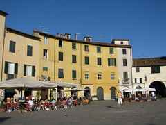 Lucca - Toscana - Piazza Anfiteatro (Been Around) Tags