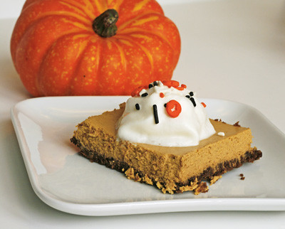 Halloween Treat: Pumpkin Cheesecake Squares