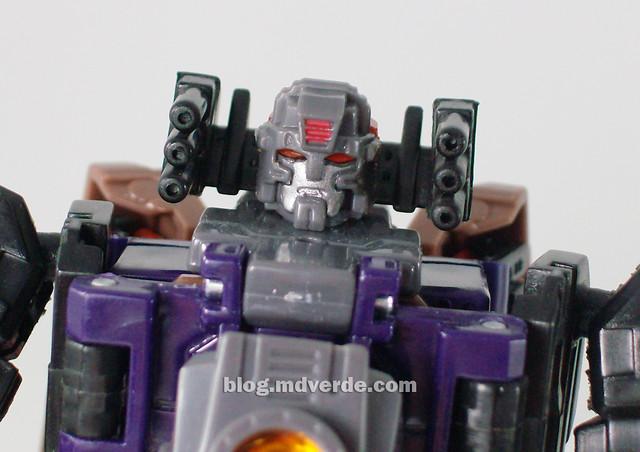 Transformers Blast Off Universe Scout - modo robot
