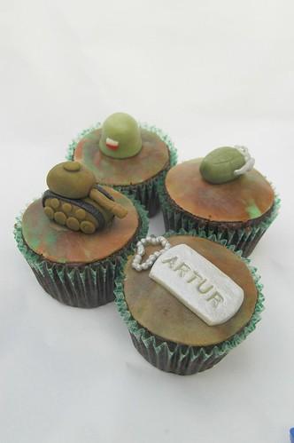 Army cupcakes