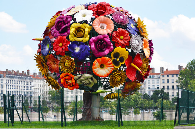 The Flower Tree by Choi Jeong-Hwa
