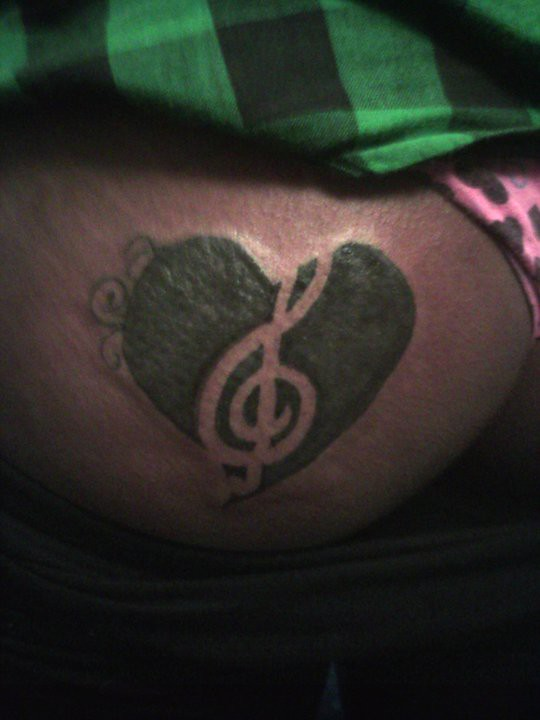 3f7c23a07 47506_422688946361_510576361_5289446_7230909_n (Lost Boys) Tags: up tattoo  heart cover toni after clef treble coverup