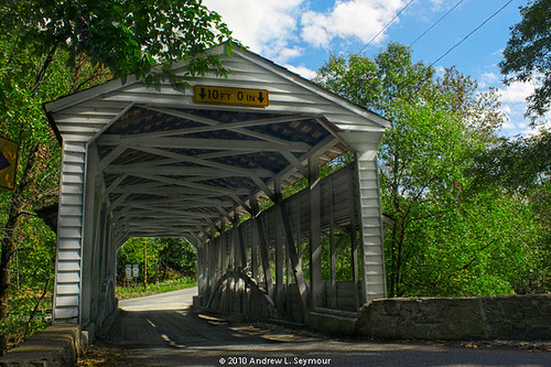 Knox-Valley Forge Covered Bridge (East Entrance) hdr 04