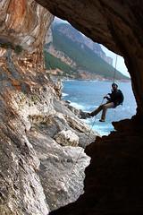 Io non ho paura! (FranciZEDDA) Tags: trekking nuvole mare grigio canyon salto acqua pioggia gola scogli baunei corda supramonte bacupadente 35metri