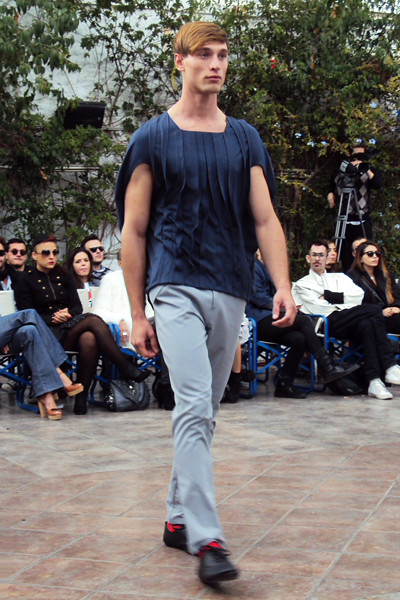 fashionarchitect.net_sotiris_georgiou_forms_ss2011_15