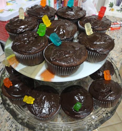 Cupcakes de chocolate e balas de goma