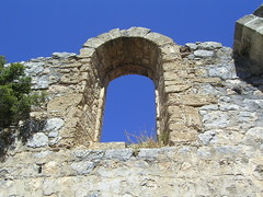 St. Hilarion castle (Northern Cyprus 2010) (Zoagli) Tags: blue sky window wall cyprus 2010 kbrs hilarion sthilarion