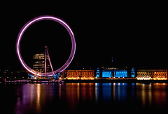 London Eye (Explored) (Borretje76) Tags: longexposure blue white london eye netherlands dutch wheel yellow iso100 long exposure nightshot sony nederland ferris ferriswheel f22 enschede twente reuzenrad reuzerad lange londeneye explored nachtopname opname dslra300 sonya300 gupr borretje76