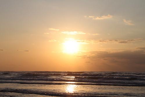 夕陽が笑う、君も笑う