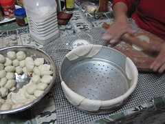 learning to make momos 4