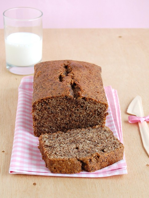 Wheat and chocolate pound cake / Bolo com farinha integral e chocolate