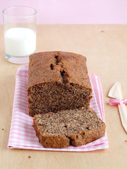 Wheat and chocolate pound cake / Bolo com farinha integral e chocolate
