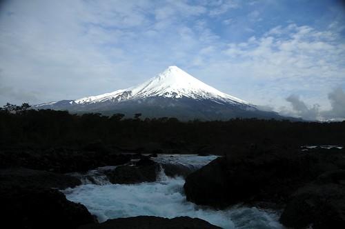 Saltos, Volcano
