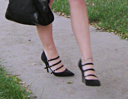 pointy heels with buckle straps+light