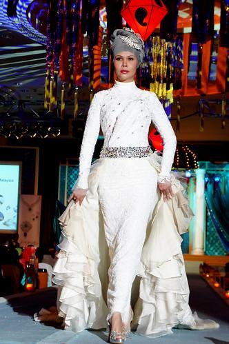 Islamic fashion festival 2010 - jovan mandagie 5