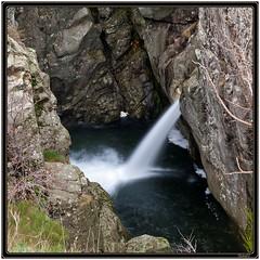 Cascade sur la Besorgue (Tets07) Tags: france nature eau pentax rivière cascade torrent ardèche rhônealpes vivarais besorgue