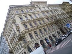 Wien, 1. Bezirk (el arte de las fachadas de Viena) - Gonzagagasse/Rudolfsplatz (Josef Lex (El buen soldado Švejk)) Tags: rudolfsplatz gonzagagasse