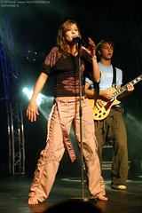 stephanie d. (all female barefoot musicians) Tags: feet nude stage nackt barefoot singer füsse bühne barfuss sängerin