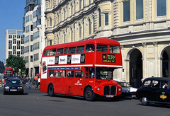 7035-04 (Sou'wester) Tags: bus buses publictransport psv london londontransport lt lrt tfl trafalgarsquare charingcross rm rml rml2669 smk669f route11 90loncen 90lonout