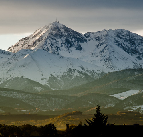 Pic du Midi au petit matin by Matthieu Luna