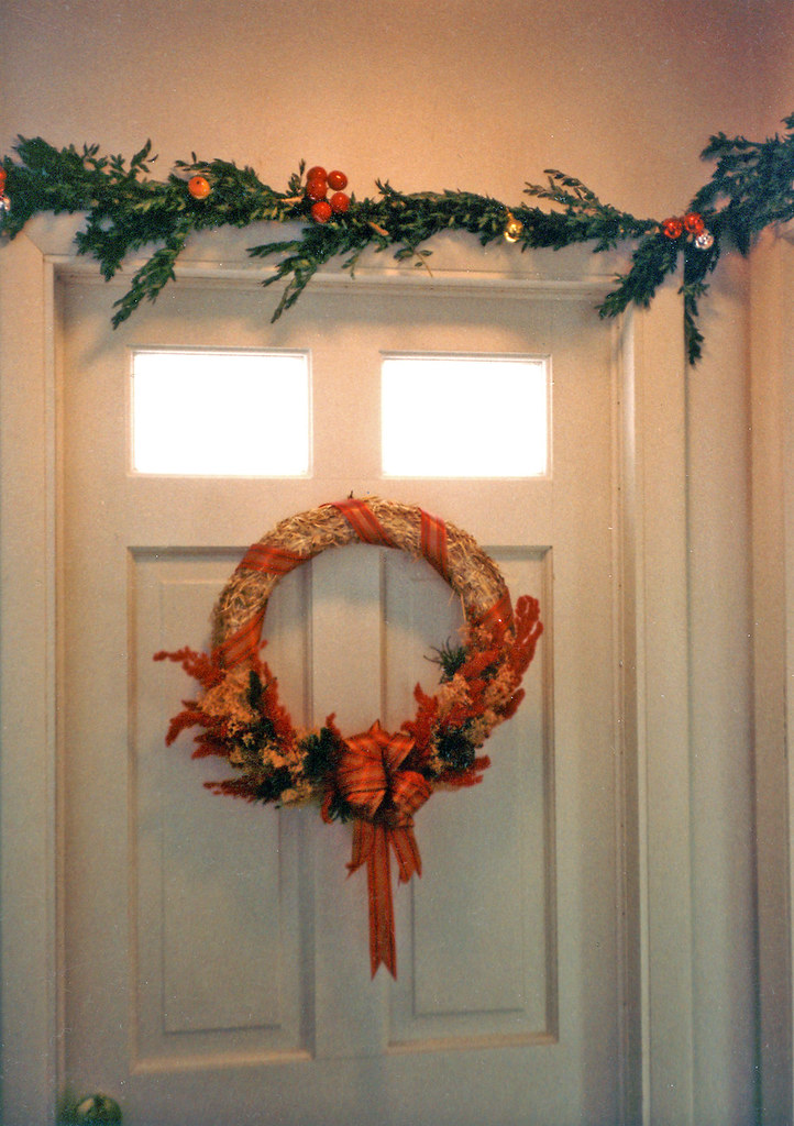 Boxwood Roping & Dried Floral Wreath