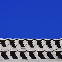 Luft nach oben - Out Of The Blue (Bernd Kretzer) Tags: architektur architecture abstrakt abstract nikon afs dx nikkor 55–300mm 145–56g ed vr