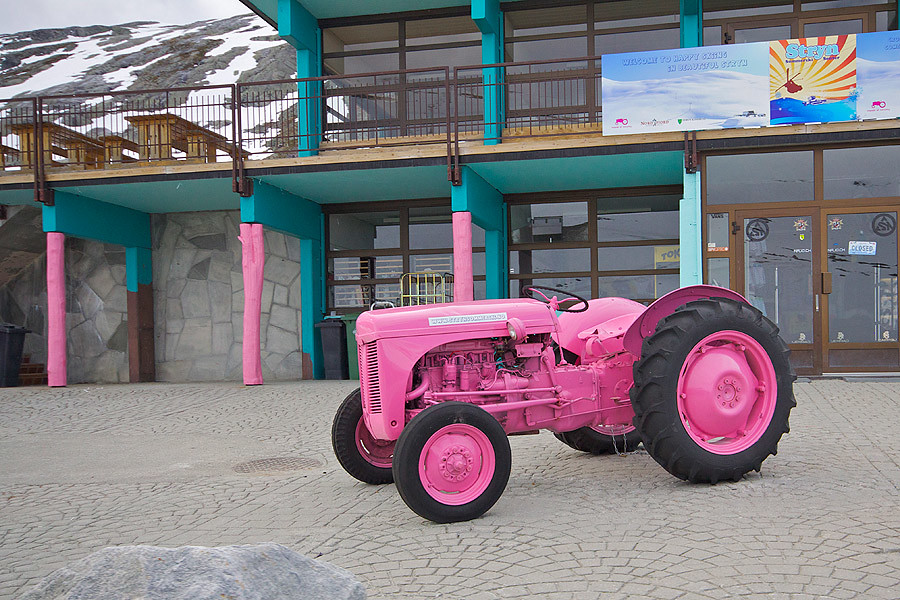 pink-track