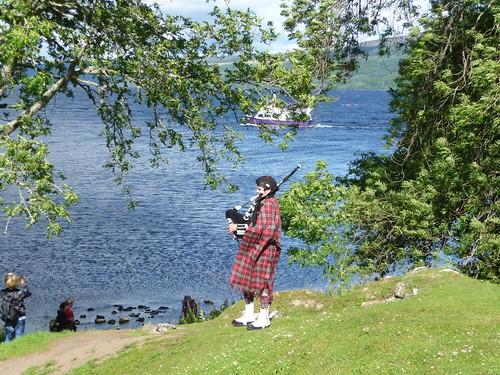Piper at Loch Ness
