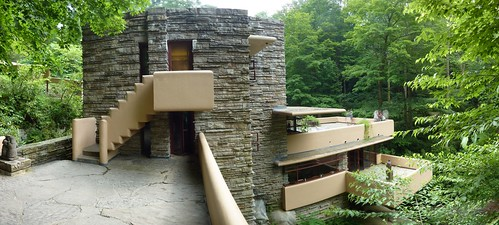 Fallingwater patio by Frank Lloyd Wright (pano 6)