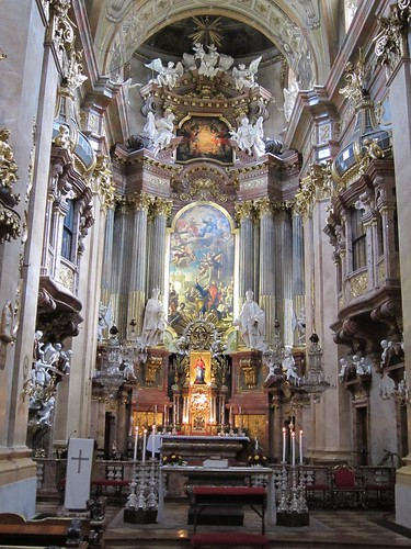 The altar at Peterskirche