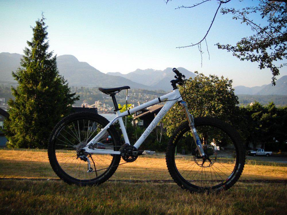 New Bike Day: Santa Cruz Chameleon