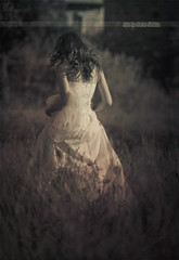 Visul unei nopti de vara (Marian Nedelcu ) Tags: portrait nature foto fotograf marian freelance nunta cununie rochie botez mireasa nedelcu trashthedress