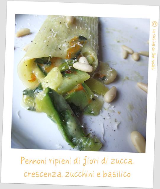 pennoni ripieni di fiori di zucca, crescenza zucchini e basilico