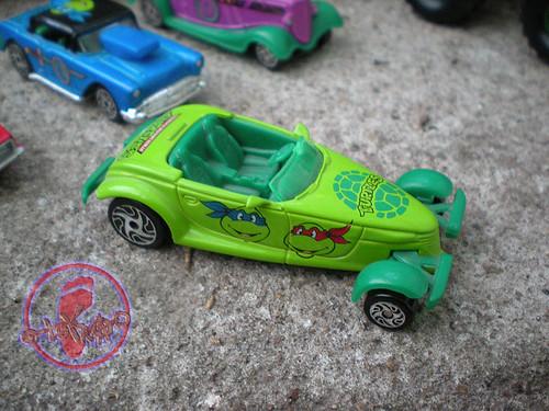 """Racing Champions """"Street Wheels"""" diecast 1:64 scale - 'Teenage Mutant Ninja Turtles' 5 pack :: 1997 Plymouth Prowler - TMNT Roadster i (( 1999 ))"""