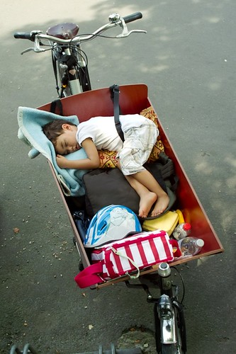 asleep in bakfiets