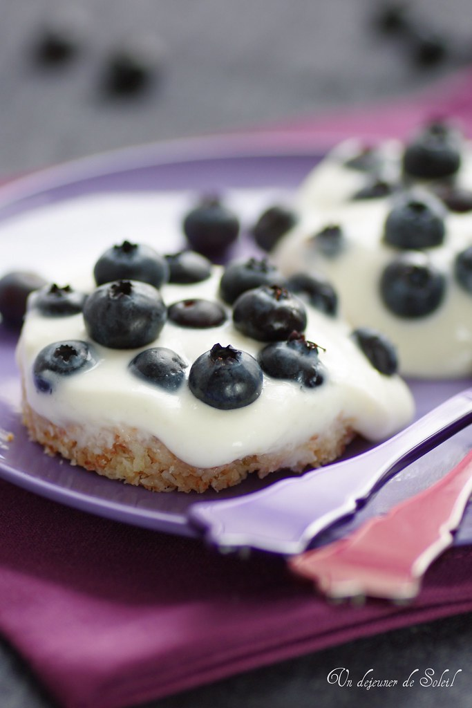 Cheesecake au coco et myrtilles