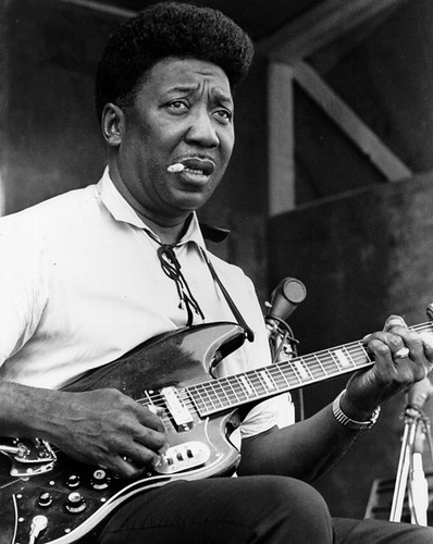 muddy-waters-1960s-blues-guitar