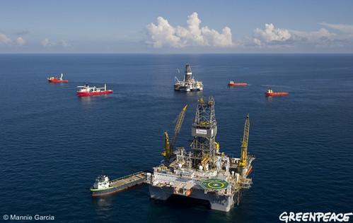 Rigs at the Deepwater Horizon diasaster site