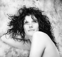 Renata (il goldcat) Tags: girls portrait blackandwhite cute girl portraits canon blackwhite nice fine highkey renata ritratti ritratto biancoenero handsom ragazze wonderfull  goldcat blackwhitephotos canoniani 100commentgroup artofimages bestportraitsaoi elitegalleryaoi mygearandmepremium