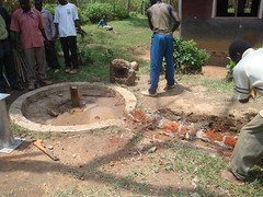 Ebumamu pri.school-dismandling of cracked well pad.