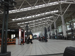 台湾高鐵左營(ずぉいん)駅