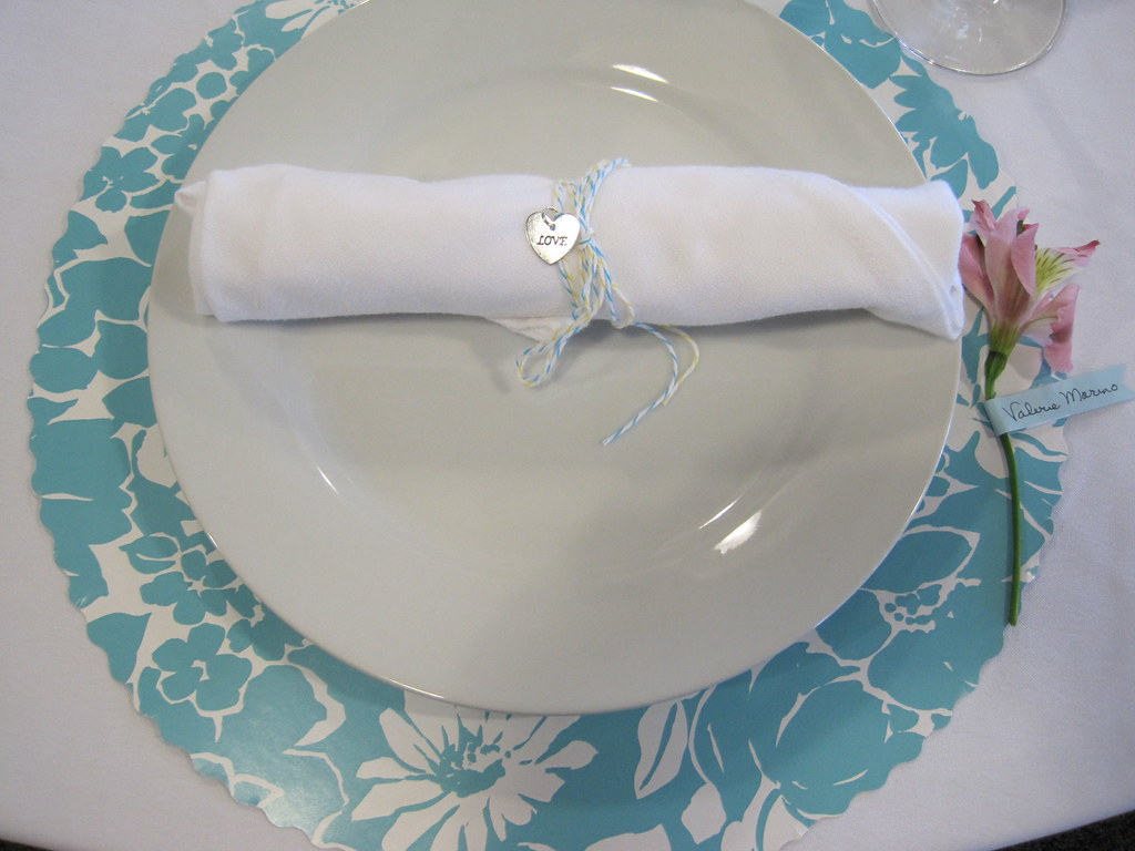 HOW TO FOLD PAPER NAPKINS FANCY | How to fold paper ... - photo#24