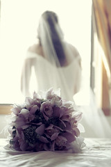 Wedding_07 (Zacharakis Photography) Tags: flowers wedding reflection love canon groom bride romance celebration bridalbouquet specialmoment zacharakisphotography