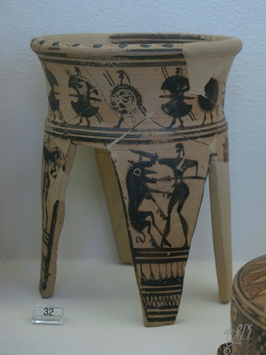 Kerameikos museum - Tripod with warriors - Individual find