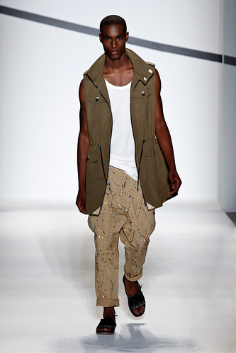 SS11_NY_General Idea022(GQcom)