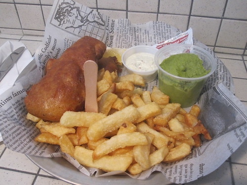 Haddock in maple syrup batter, fries (chips), mushy peas, tartare sauce