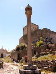 The old streets of Marialva IV (Pedro Nuno Caetano) Tags: castle ruins castelo pelourinho marialva runas pillory mda