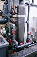 01680020-21 (jjldickinson) Tags: prototype valve compost machineshop manufacturing ecs muncher fujicolorsuperiaxtra400 roll210 olympusompc munchinator ecologicologic environmentalcompliancesystems
